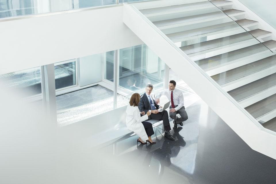 Krankenhaus-Verwaltung im Gespräch